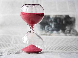 clessidra tempo che scorre